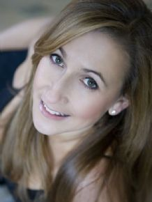 Louise Perry | London, United Kingdom | Actor, Musician, Dancer