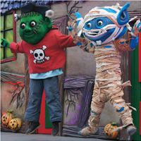 'Franklyn' (Left) at Alton Towers Scarefest 2012