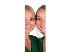 Twin Female Actors wanted (or Sisters who are similar to each other)