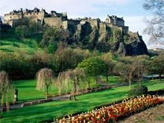 Edinburgh Based Actor for Tours of Edinburgh Required