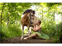 Model and Horse Required for Equine Shoot - TFP