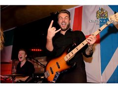 Singing Bass Players for 5* Hotel Contracts