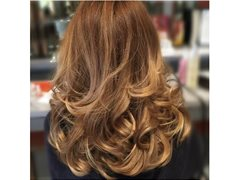Reliable Hair Models Needed for One Length Cut/Big Bouncy Blow Dry