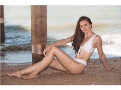 Models Wanted for Pre-Christmas Summer Shoots to Build Profiles