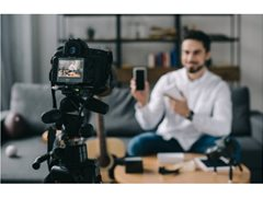 Actors Required for Mobile Application Experience