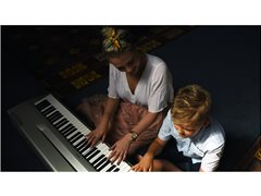 Piano Teacher for Beginners and Children