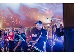 Energetic Extras Required for Club Style Music Video Shoot