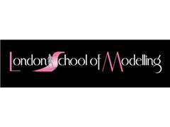 Experienced makeover studio photographers wanted - London