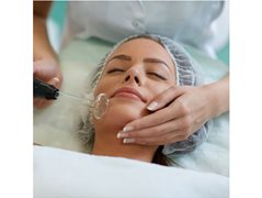 Actresses Aged 35-45 for Skin Health Medical Brand Online Commercial $600