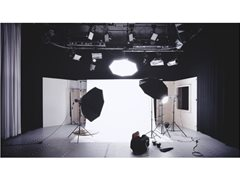 Experienced MUA, Hair Stylist and Stylist for TV Commercial