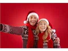 Online Christmas Campaign Requires Actors for Young Couple Role - £100