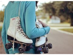 Roller skaters needed - London