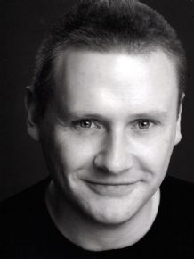 Stephen Wyley headshot