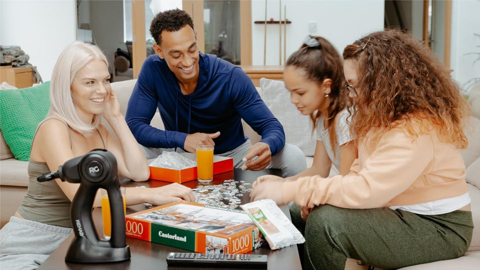 Photoshoot as a family for a product