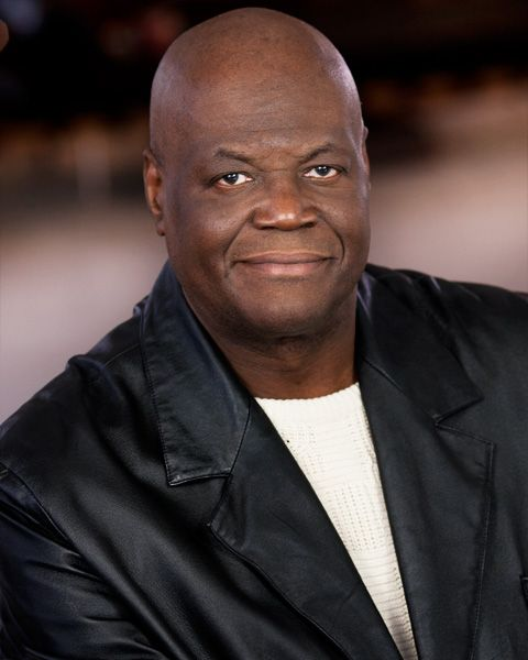 Big Ron Lyons : Big ron lyons is an actor and extra based in michigan
