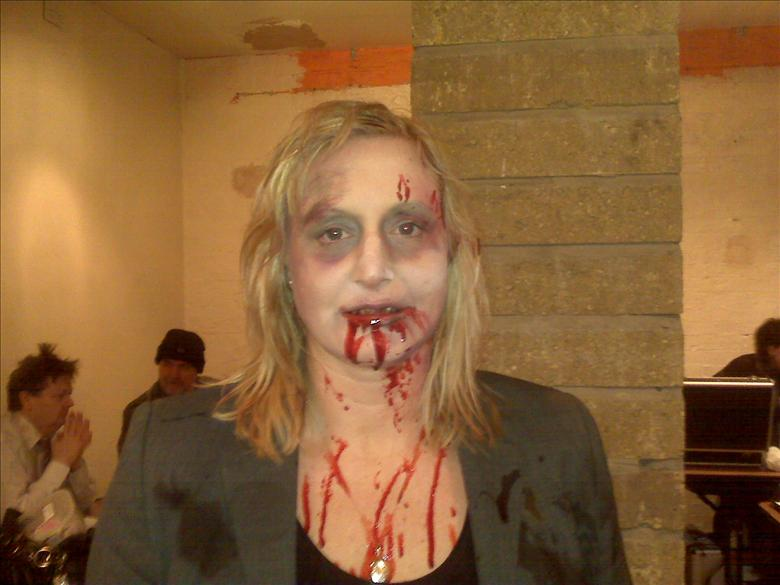 Vicky Davis Zombie For A Music Video Starnow