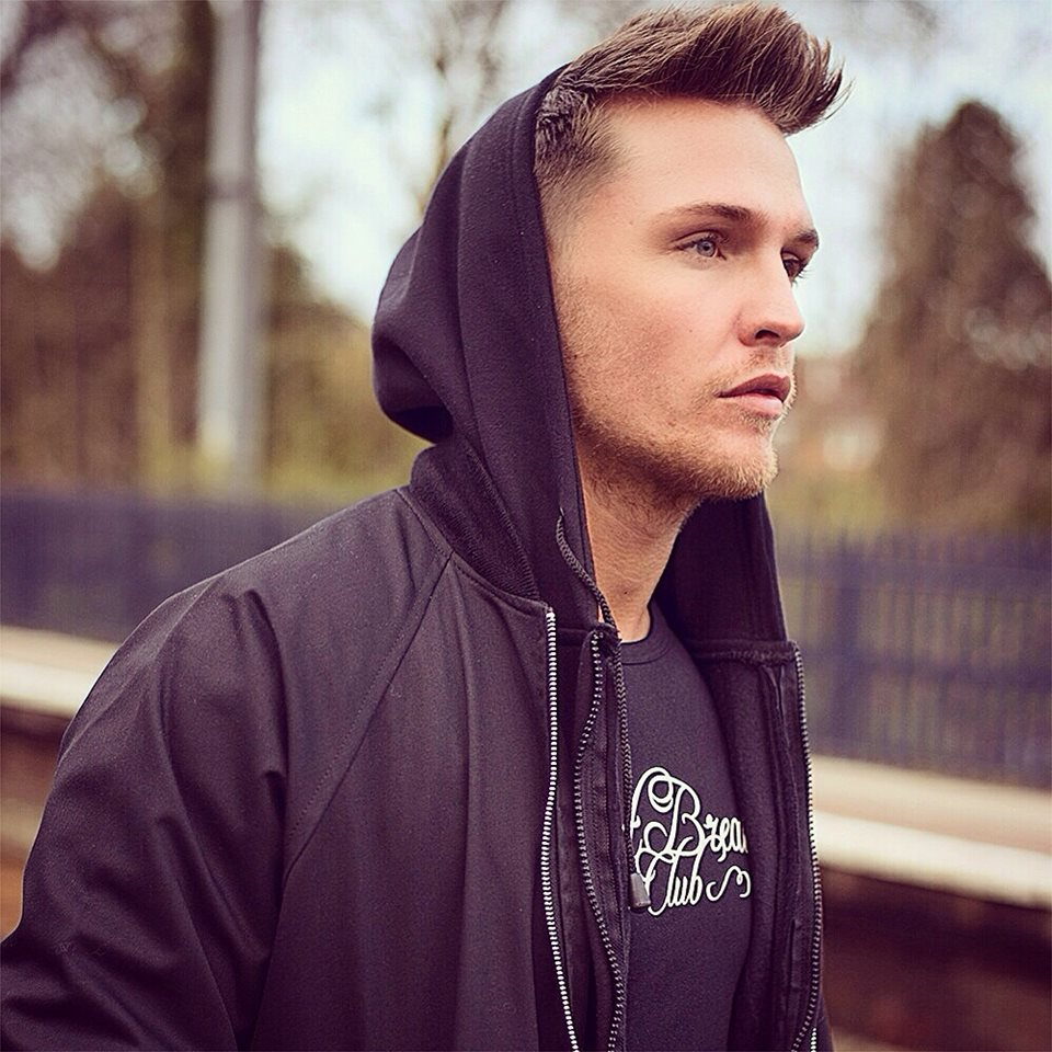 Tom Zanetti Is An Actor Extra And Model Based In Leeds