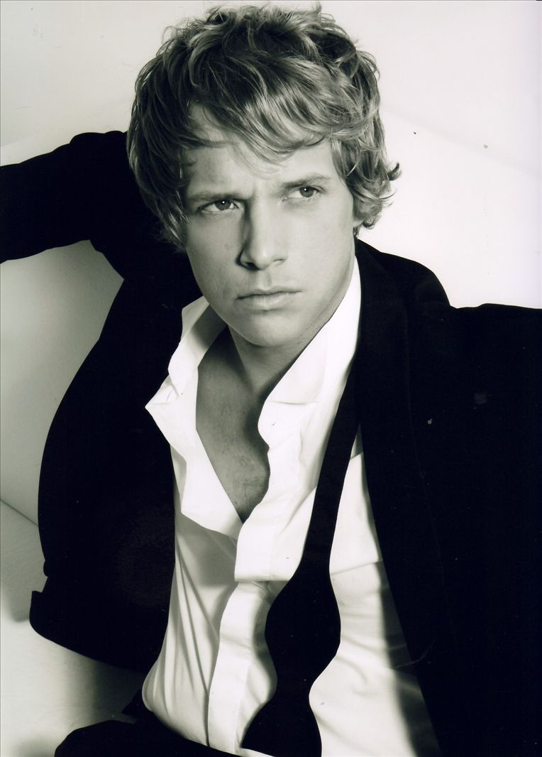 chris geere biography