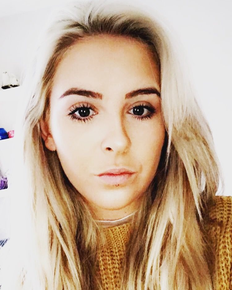 Amy Louise Hodkinson Is An Actor Extra And Model Based In