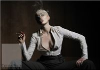 EPIC STUDIO ... Photographer / Retoucher: Tristan Peter ... Hair / MakeUp / Styling: Riely